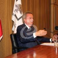 مؤتمر صحافي لحاكم مصرف لبنان رياض سلامة - محمد عمر