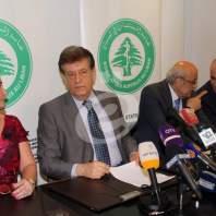 مؤتمر صحافي لنقيب المستشفيات سليمان هارون - محمد عمر