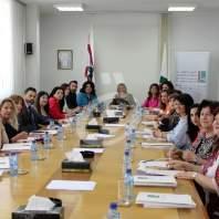 """هيئة شوؤن المرأة: """"طاولة مستديرة مع الإعلام"""" - محمد عمر"""