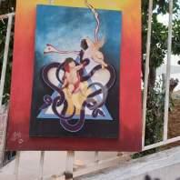 معرض تشكيلي على درج الفن وإضاءة شموع عن أرواح الضحايا