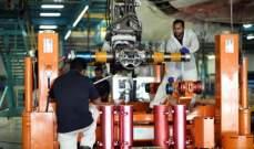 """الدائرة الهندسية في """"طيران الإمارات"""" تستبدل جهاز هبوط طائرة """"A380"""""""