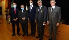 نقابة الأطباء تكرم المدير العام لوزارة الصحةوالرئيس عون يمنحه وسام الاستحقاق الذهبي