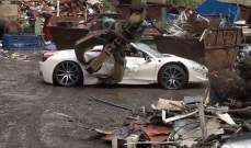 """رجل أعمال يقاضي الشرطة البريطانية لإتلاف سيارته """"فيراري"""" بقيمة 350 ألف دولار"""