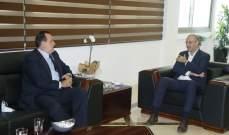 الوزيران حسن وحب الله يبحثان في سبل تحفيز الصناعات الدوائية