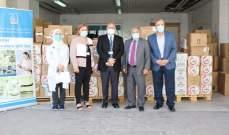 نقابة الصيادلة تسلم شحنتين من الأدوية هبة من الأردن إلى مستشفى بيروت