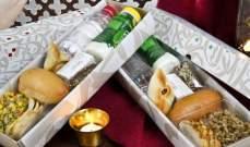 """""""طيران الإمارات"""" تقدم وجبات إفطار خاصة بالصائمين طوال شهر رمضان"""