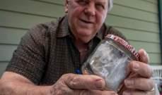 رجل يحتفل بمرور 60 عاماً على احتفاظه بنصف ساندويش... والسبب؟