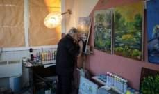 رسام يكتشف طريقة لمواصلة الرسمبعد فقدانه البصر!