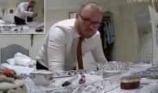 رجل يسرق مال الموتى في دار العجزة في بريطانيا!