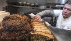 بالصور: سعر خيالي لوجبة طعام تتضمن شريحة لحم واحدة!