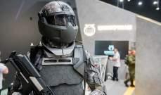 الجنود في المستقبل برؤية تحت الحمراء ويتحكمون في الأسلحة بعقولهم
