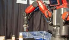 تطوير روبوت يفرز الورق والبلاستيك عن طريق اللمس