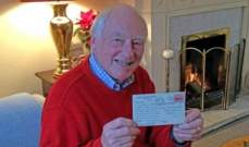 بعد 66 عاماً... سبعيني يتلقى بريداً ضائعاً منذ 1955!