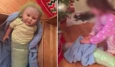 اشترت دمية لابنتها في عيد الميلاد... ماذا وجدت في داخلها؟