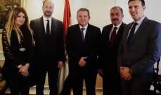 """وزير قطاع الاعمال العام المصري بحث مع شركة """"سانوفي"""" الفرنسية التعاون في مجال الأدوية"""