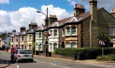 تراجُع متوسط قيمة المنازل في المملكة المتحدة خلال شهر حزيران