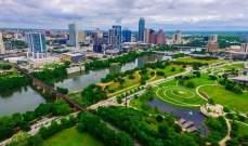حاكم تكساس يُعلن السماح للشركات بالعمل بسعة 100%
