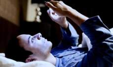 تحذيرات من الاستخدام المطول للهواتف في الليل