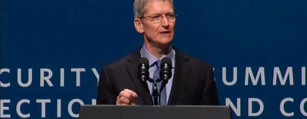 """تيم كوك يدعم قرار شركة """"أبل"""" لإزالة تطبيق احتجاج هونغ كونغ"""