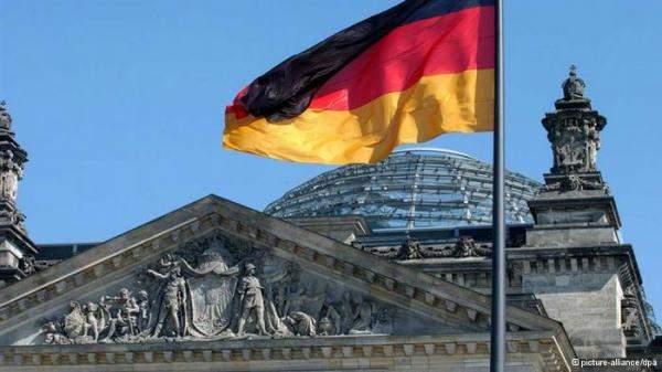 الحكومة الألمانية تخفض توقعاتها للنمو إلى 3% هذا العام