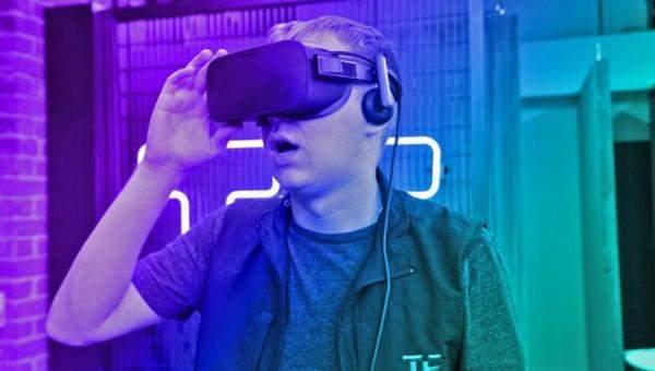كيف تساهم تقنية الواقع الافتراضيفيتحسين طرق التعليم؟