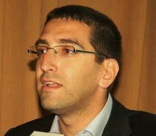 مدير مركز الطاقة: شباط 2015 سيتم افتتاح أول مشروع  نموذجي للطاقة الشمسية في قلب بيروت بانتاج 1 ميغاواط من الكهرباء لحوالي ألف منزل