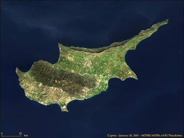 قبرص تمدد حظر الطيران على الرحلات التجارية لمدة أسبوعين