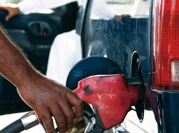 تراجع سعر صفيحة البنزين بنوعيه 200 ليرة والغاز 100 ليرةواستقرار المازوت