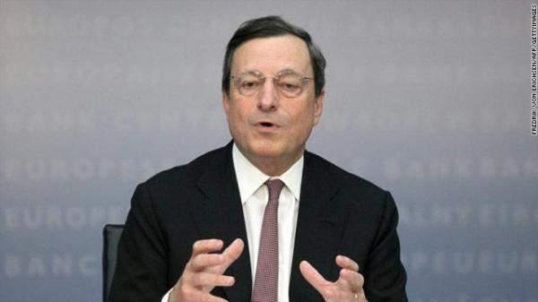 دراغي: تباطؤ النمو يؤثر على قطاع التصنيع بمنطقة اليورو