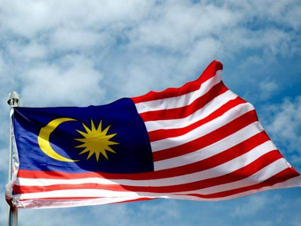 ماليزيا تمدد القيود على الحركة والشركات حتى 9 حزيران