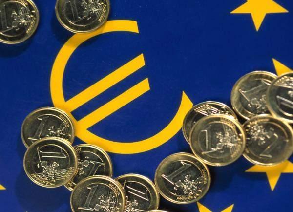 اليورو ينخفض بنسبة 0.35% إلى 1.1009 دولار