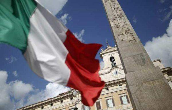 """""""ديلي ميل"""": غرامة بقيمة 500 يورو لمن يأكل في شوارع مدينة فلورنسا الإيطالية"""