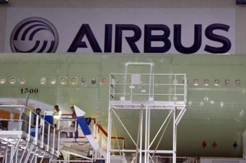 """""""إيرباص"""" تبقي على انتاج 40 طائرة شهريا من طراز """"آي 320"""""""