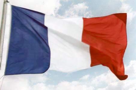 السفارة الفرنسية: باريس تشجع الحكومة اللبنانية على إنجاز الإصلاحات الضرورية لإنعاش الاقتصاد
