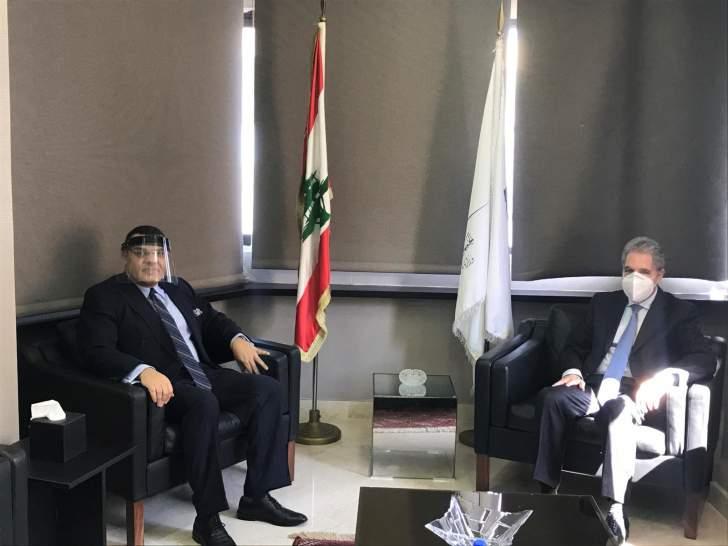 وزني يبحث مع السفير المصري تعزيز العلاقات الثنائية
