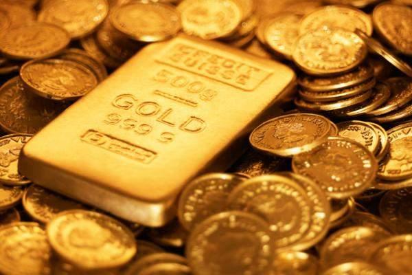 الذهب يتراجع عند التسوية بعد بيانات إقتصادية أميركية