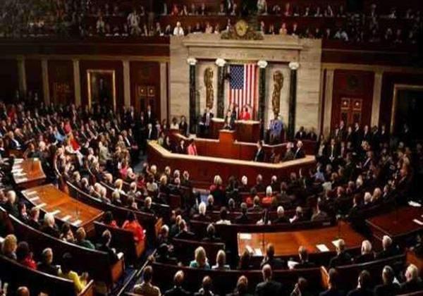 البيت الأبيض يطالب النواب في الكونغرس بإقرار خطة لإنقاذ الشركات الصغيرة