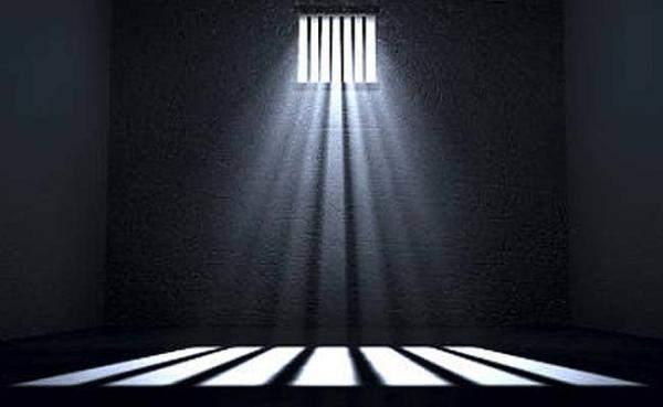 رفيقا السجن استوليا على عقارين بموجب مستندات مزوّرة