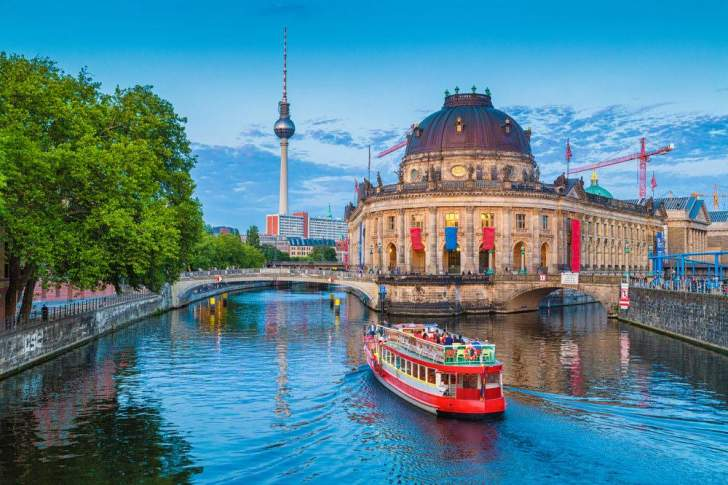 """lialo"" تطبيقيتيح 21 جولة للتعرف الى المعالم السياحية في برلين"