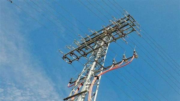 برلماني: الحكومة العراقية لا تمتلك خطة لتزويد الكهرباء خلال الصيف المقبل