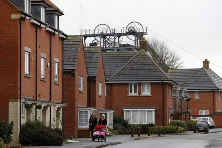 مد إعفاء ضريبي يدفع أسعار المنازل البريطانية للصعود في أذار