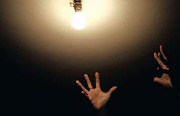 الفساد في ملف الكهرباء يهددوصول المساعدات الخارجية..بعدما فاقم الدين العام في لبنان ووصلت حصته منهإلى 63%