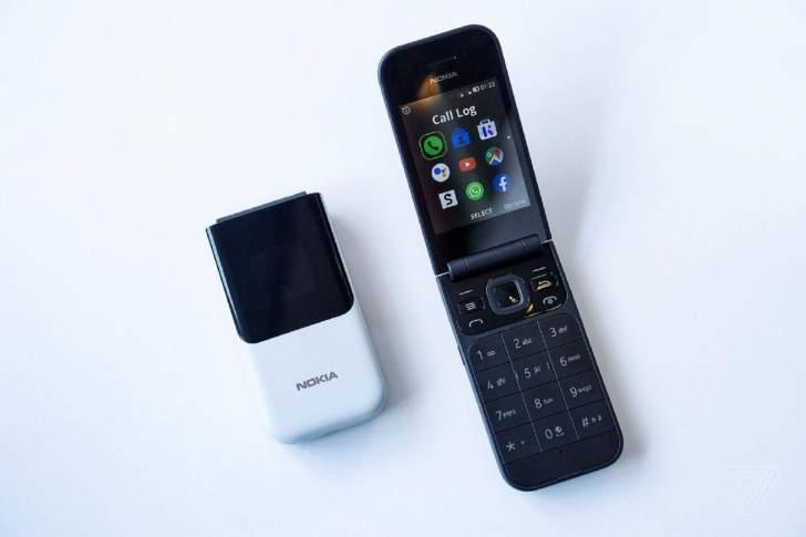 """""""نوكيا"""" تعيد إطلاق هاتف """"2720"""" الكلاسيكي بإمكانات متطورة"""