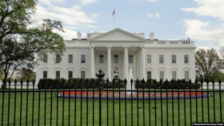 """البيت الأبيض ينظم قمةمع قادة العالم الرقمي ويتجاهل دعوة """"فيسبوك"""" و""""تويتر"""""""