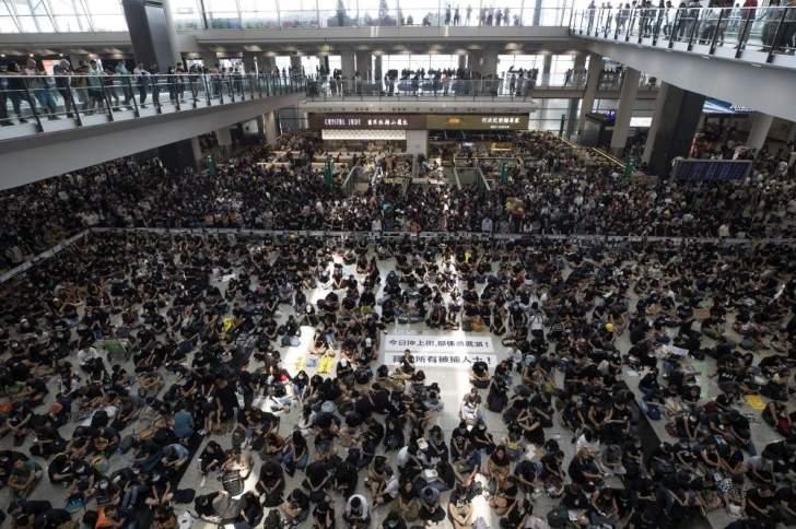 استئناف الرحلات في مطار هونغ كونغ الدولي بعد انتهاء الاحتجاجات