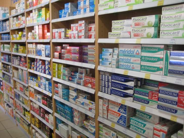وزير الصحة يصدر قراراً يتعلّق بتعديل جزئي في أسس تسعير الأدوية