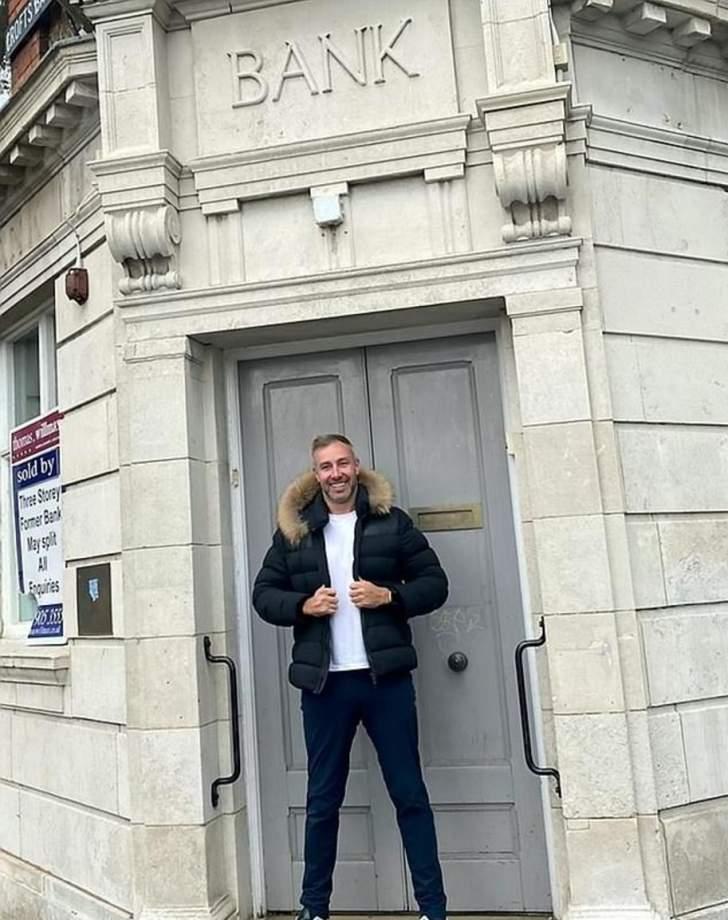 بعد 17 عاما... انتقم من المصرف الذي رفض منحه قرضاً!