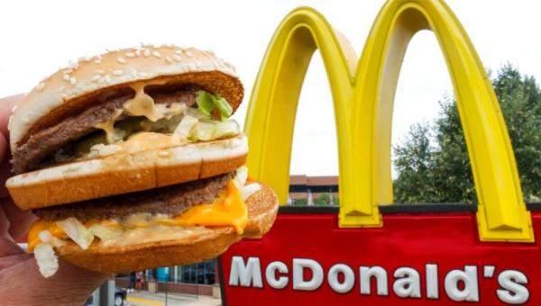 """""""ماكدونالدز"""" تخدع الزبائن من خلال إعادة ترتيب قائمة الطعام"""