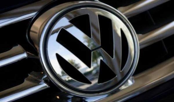 """مبيعات """"فولكس فاغن"""" من السيارات الكهربائية تقفز 214% في 2020"""