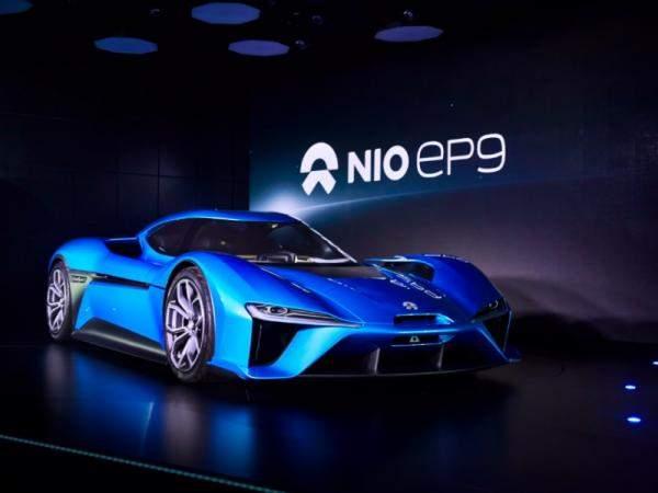 شركات سيارات عالمية تعتزم ضخ 300 مليار دولار للتحول نحو السيارات الكهربائية